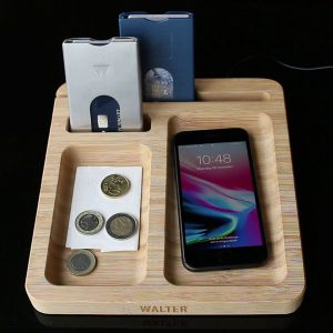 Bamboo Dock w Wireless Charger 900x900px