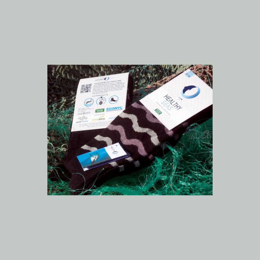 Bio sokken gemaakt van oude visnetten