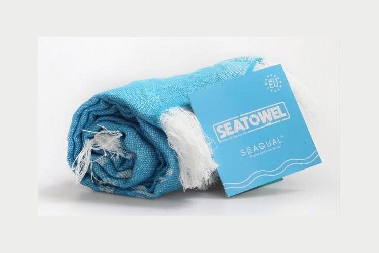Seatowel handdoek uit gerecycleerd plastic en katoen